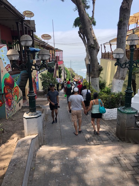Walking in Barranco 20 JAN 2019